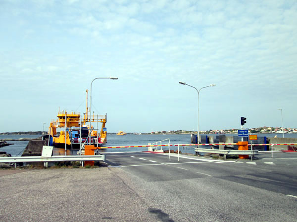 ferry ffrom lilla varholmen to ochero, Honoe and Bjorko